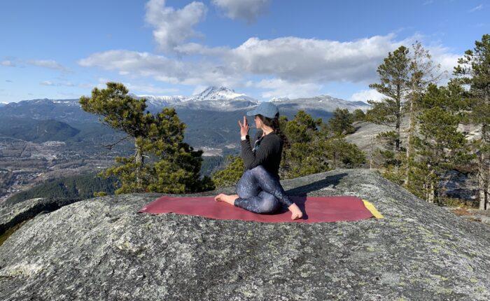 Stawamus chief yoga | BeWild! Adventures